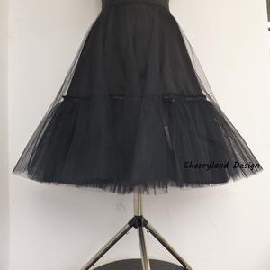 Fekete Alsószoknya pörgős szoknyához,, Táska, Divat & Szépség, Ruha, divat, Női ruha, Szoknya, Varrás, Fekete alsószoknya pörgős szoknyához, Rockabilly stílusú ruhához\nKlasszikus Rockabilly stílusú ruha ..., Meska