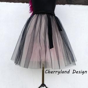Cherryland Design Púder Árnyalat Tüll Szoknya/Tulle Skirt, Táska, Divat & Szépség, Gyerekruha, Ruha, divat, Női ruha, Szoknya, Varrás, Cherryland Design Púder Árnyalat Tüll Szoknya\nEgyedi méretek alapján , megrendelésre készül.\nA szokn..., Meska