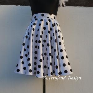 Cherryland Design Fehér alapon fekete pöttyös rockabilly szoknya., Táska, Divat & Szépség, Női ruha, Ruha, divat, Szoknya, Esküvői ruha, Varrás, Fehér alapon fekete Pöttyös Rockabilly szoknya. Klasszikus, Rockabilly, /Pin Up stílusú  vidám  pött..., Meska
