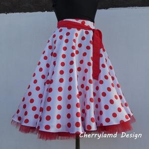 Cherryland Design Túró Rudi rockabilly stílusú fehér alapon piros  pöttyös szoknya /Alsószoknyával, Táska, Divat & Szépség, Női ruha, Ruha, divat, Esküvő, Szoknya, Varrás, (Túró Rudi )Klasszikus  stílusú  vidám szoknya.\nFehér alapon piros pöttyös Szaténból és pamutvászonb..., Meska