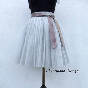 Cherryland Design Ezüstszürke  Tüll Szoknya / Silver Grey Tulle Skirt, Táska, Divat & Szépség, Ruha, divat, Gyerekruha, Női ruha, Szoknya, Varrás, Cherryland Design Ezüstszürke  Tüll Szoknya / Silver Grey Tulle Skirt\n\nEgyedi méretek alapján , megr..., Meska