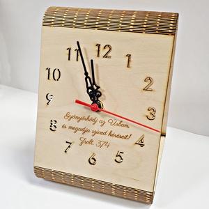 Asztali óra egyedi felirattal gravírozva, Férfiaknak, Otthon & lakás, Egyéb, Focirajongóknak, Lakberendezés, Falióra, óra, Vallási tárgyak, Famegmunkálás, Gravírozás, pirográfia, Ha valami igazán kifejezőt keresel, akkor ez a design asztali óra nagyon jó választás, hiszen már ön..., Meska