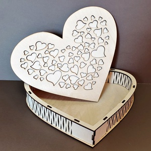 Szív alakú fadoboz, Esküvő, Emlék & Ajándék, Nászajándék, Famegmunkálás, Gravírozás, pirográfia, Szív alakú ajándék fadoboz \nLepd meg a szerelmedet vagy az ifjú párt egy csodálatos, egyedi ajándékk..., Meska