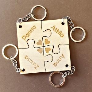 Együtt örökre puzzle kulcstartó 4 részes, Táska & Tok, Kulcstartó & Táskadísz, Kulcstartó, Gravírozás, pirográfia, Famegmunkálás,  Egymásba illeszthető, de természetesen külön-külön is használható puzzle kulcstartók, melyet egyedi..., Meska