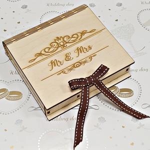 Esküvői pénzátadó doboz, Esküvő, Emlék & Ajándék, Nászajándék, Gravírozás, pirográfia, Famegmunkálás, Esküvői pénzátadó doboz névre szóló egyedi gravírozással \nStílusos megjelenésű esküvői pénzátadó dob..., Meska