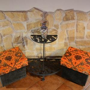 Narancssárga, kárpitozott puff, Puff, Bútor, Otthon & Lakás, Varrás, Elegáns és kényelmes ülőke, mely nagy odafigyeléssel, egyedi elképzelések alapján készült.\nA harmóni..., Meska