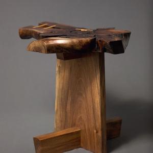 Foka I, Asztal, Bútor, Otthon & Lakás, Famegmunkálás, Diógyökér lappal készült kis asztalka. , Meska