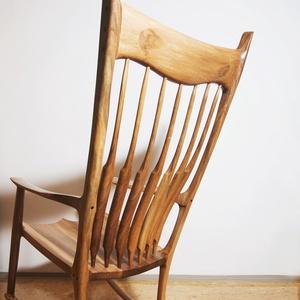 Maloof, Bútor, Otthon & lakás, Szék, fotel, Képzőművészet, Szobor, Famegmunkálás, Sam Maloof a 20. század egyik legfontosabb amerikai bútorkészítője. Az ő ikonikus darabja egy kézzel..., Meska