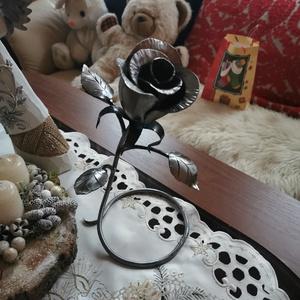 Álló rózsa szobadísz., Otthon & Lakás, Dekoráció, Asztaldísz, Fémmegmunkálás, Sziasztok! \nEladnám ezt a kis szobadíszt! Vagy! Barátnőknek, örök rózsának. Többet is, ha van rá igé..., Meska