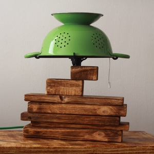 Éjjeli lámpa, Asztali lámpa, lámpa, Hangulatlámpa, Bauhaus, Lakberendezés, Otthon & lakás, Lámpa, Hangulatlámpa, Asztali lámpa, Famegmunkálás, Hangulatos fényt nyújtó Bauhaus stílusú asztali lámpa.\nA fa textúrája a speciális felületkezelésnek ..., Meska