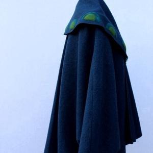 Tiame kék mintázott poncsó kabátka kitűzővel (tiame) - Meska.hu
