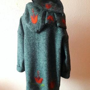 Tulipános kapucnis kabátka szett sapkával és kézmelegítővel, Ruha & Divat, Női ruha, Pulóver & Kardigán, Varrás, Nemezelés, Tulipános kapucnis kabátka szett sapkával és kézmelegitővel.\nMeleg lágy gyapjú szövetből készült bél..., Meska