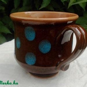 Kék pöttyös barna bögre - Meska.hu