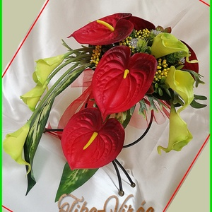 Piros Flamingós-zöld Kálás örök-csokor , Esküvő, Menyasszonyi- és dobócsokor, Menyasszonyi- és dobócsokor, Ha valami másra vágysz... Piros Flamingós-zöld Kálás örök-csokor  Csepp formájú, 11 virágos, strassz..., Meska