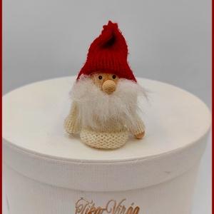 Karácsonyi Manó 135123., Karácsony & Mikulás, Karácsonyi dekoráció, Varrás, Karácsonyi Manó 135123.\nMérete: 8cmx4,5cm, Meska