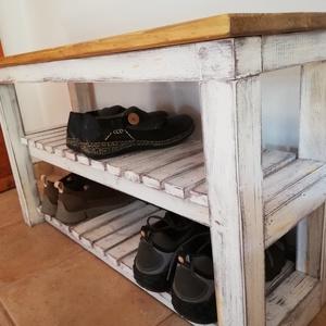 Pad - cipő pad , Bútor, Otthon & lakás, Lakberendezés, Pad, Famegmunkálás, Festett tárgyak, A  pad egy eredeti vintage stílusú kiegészítő, jellegzetesen patinázott, hogy vintage hatást keltsen..., Meska