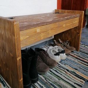 Pad tárolóhellyel, Otthon & Lakás, Bútor, Pad, Famegmunkálás, Festett tárgyak, A pad új csiszolt fából van készítve (lucfenyő). \nA felső lemez dió a többi része akác  színűre van ..., Meska