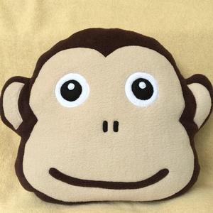 Majom párna , Párna & Párnahuzat, Lakástextil, Otthon & Lakás, Varrás, Patchwork, foltvarrás, Poha serpa anyagból készült majom fej alaku párna ! \n\nMéretei : 33/38 cm\n\nTöltete: alergia mentes po..., Meska
