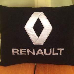 Renault párna, Férfiaknak, Lakberendezés, Otthon & lakás, Lakástextil, Párna, Varrás, Renault  kocsi szerelmeseinek készült párna !\nPuha polár anyagból ,szatén rátéttel .mindent sűrű ölt..., Meska