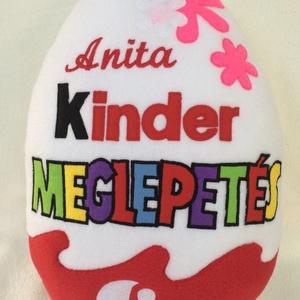 Kider tojás lányoknak névvel, Betű & Név, Dekoráció, Otthon & Lakás, Varrás, \nAjándék minden alkalomra  ez a kinder tojás alakú párna !\nNincs olyan gyerek aki ne ismerné !\n A né..., Meska