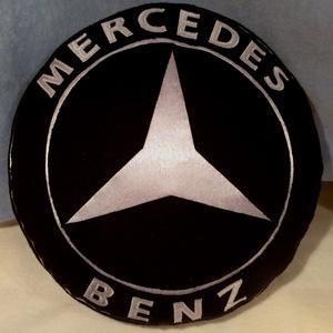 Mercedes Benz logó párna , Férfiaknak, Otthon, lakberendezés, Lakástextil, Párna, Varrás, Népszerű autós párnák puha polár anyagból  ,minden korosztálynak.  átmérője:32cm vastagsága: 8cm  M..., Meska