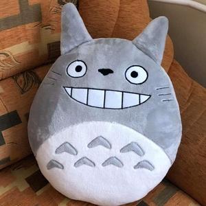 Totoro párna , Párna & Párnahuzat, Lakástextil, Otthon & Lakás, Varrás, Puha tapintásu welsoft anyagból készült Totoro párna a rátétek gyapjú filcből készültek , amik apró ..., Meska