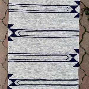 Gyapjúszőnyeg SZ20024, Otthon & Lakás, Szőnyeg, Lakástextil, Hagyományos technikával szövőszéken szövött gyapjúszőnyeg modern mintával TIMIM tervezésben. A lakás..., Meska