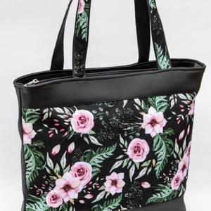 Fekete-rózsaszín virágos válltáska, Táska & Tok, Válltáska, Kézitáska & válltáska, Varrás, Meska