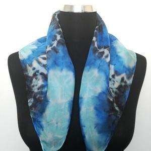 Kék Mandalás selyemkendő 55x55 cm méretben, Képzőművészet, Ruha, divat, cipő, Anyák napja, Textil, Kendő, sál, sapka, kesztyű, Selyemfestés, Kék - fekete Mandala mintás selyemkendő, melyet kézzel festettem professzionális gőzzel fixálható s..., Meska