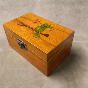 Fa ékszeres  doboz, Díszdoboz, Dekoráció, Otthon & Lakás, Famegmunkálás, Festett tárgyak, Fából készült kisebb ékszerdoboz, díszdoboz. Láncoknak, óráknak, gyűrűknek, emlékeknek, fényképeknek..., Meska