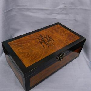 Fa ajándék doboz, Otthon & Lakás, Dekoráció, Díszdoboz, Fenyőfából készült nagy emlék, díszdoboz. Ékszerekenk, emlékeknek, fényképeknek...... Világos dióra ..., Meska