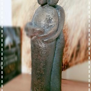 Újszülött a családban - Decorszobor, Kő, Szobor, Művészet, Szobrászat, Ez a csodálatos szobor az első baba megérkezésének csodáját eleveníti meg és jelképezi a család öröm..., Meska