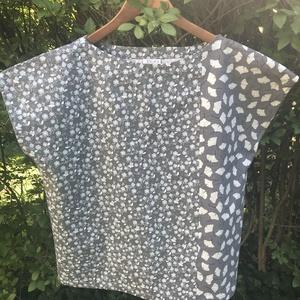 Alíz blúz különleges textilkombinációkkal / Mintás felső, póló, top - Meska.hu
