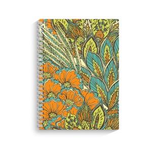 Virágos spirálfüzet, Képzőművészet, Otthon & lakás, Illusztráció, Fotó, grafika, rajz, illusztráció, A/5 méretű egyedi spirálfüzet gyönyörű virág mintával.  Tartós műanyag fedeles kivitel UV led techno..., Meska