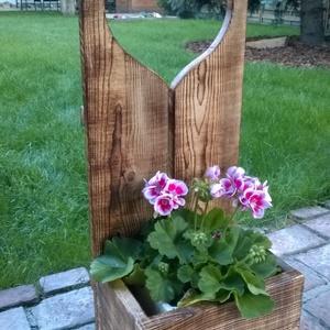 Virágtartó, Szivecskés virágtartó, Otthon & lakás, Lakberendezés, Kaspó, virágtartó, váza, korsó, cserép, Rusztikus virágtartó Szív motívummal. A képen látható virágtartó hátfala 80cm magas. A virágtartó do..., Meska