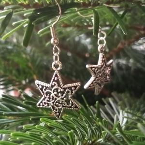 Csillagos fülbevaló, Ékszer, Fülbevaló, Lógó fülbevaló, Ékszerkészítés, Csillagot ábrázoló cirádás fülbevaló, az adventi és karácsonyi időszakba megfelelő kiegészítő lehet...., Meska