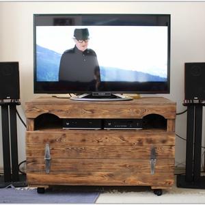 Tv tartó szekrény, Szekrény, Bútor, Otthon & Lakás, Famegmunkálás, Festett tárgyak, Tv tartó szekrény\n\n\nMéretek:\nSzélesség: 90 cm\nMélység: 50 cm\nMagasság: 50 cm\n\n\nEgyedi méretben és sz..., Meska