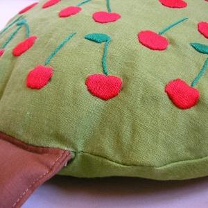 Cseresznyefapárna (toritextil) - Meska.hu