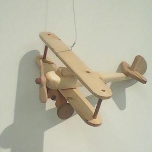 Repülő , Játék, Gyerek & játék, Fajáték, Famegmunkálás, Repülő, mérete 22x20x8cm \nKerekek és propeller forgatható.\nPáva Védjegyes.\nKézműves Remek Díjas alko..., Meska
