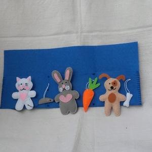 Nyuszi, cica, kutya hajtogatós foglalkoztató, Szerepjáték, Játék & Gyerek, Hímzés, Varrás, Ezen a hajtogatós, interaktív filc játékon mindent kézzel varrtam. Három állatka és kedvenc csemegéi..., Meska