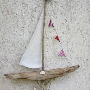 Nyári hangulat hajóval, Dekoráció, Otthon & lakás, Képzőművészet, Vegyes technika, Lakberendezés, Famegmunkálás, Fonás (csuhé, gyékény, stb.), Ezt az igazi nyári hangulatot idéző hajót uszadékfából, lenvászonból, spárgával, igazi tengeri kagyl..., Meska