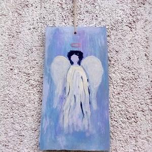 Festett angyal, Falra akasztható dekor, Dekoráció, Otthon & Lakás, Festészet, Gipszkarton lapra festettem akril festékkel ezt a kedves angyal figurát.\nMérete: 24 x 13 cm.\nÁra: 2...., Meska