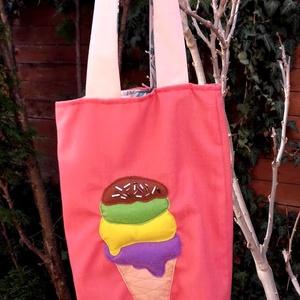 Uzsonnás táska fagyival. Felejtsd el a műanyagot!, Shopper, textiltáska, szatyor, Bevásárlás & Shopper táska, Táska & Tok, Varrás, Erős vászonból varrtam ezt az uzsonnás táskát, aminek az elejére négy gombócos fagyit applikáltam fi..., Meska