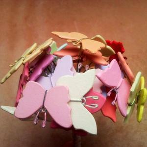 Színes pillangó csokor - 25 db rusztikus stílusú festett fa lepke csokor esküvőre ballagásra dekorációnak (Trashman) - Meska.hu