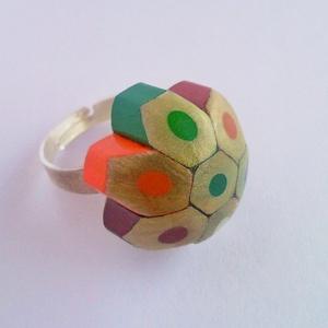 Színes ceruza gyűrű rajztanároknak, képzőművészeknek, színes egyéniségeknek :) (Trashman) - Meska.hu