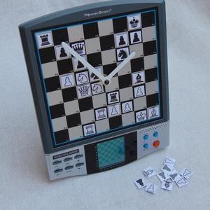 Sakk gép sakktábla fali és asztali óra hagyományos játékra alkalmas mágneses sakkfigurákkal sakkozóknak, Játék & Gyerek, Társasjáték & Puzzle, Power Brain Talking Chess Academy típusú beszélő sakkgépből újrahasznosított, nagyon egyedi és többf..., Meska