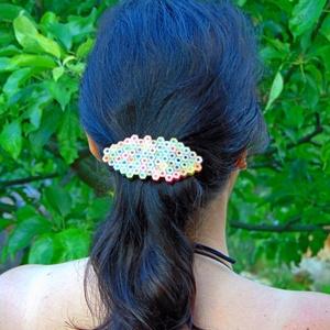 Színes ceruza hajcsat szivárvány színekkel rajztanároknak, festőművészeknek, képzőművészeknek (Trashman) - Meska.hu