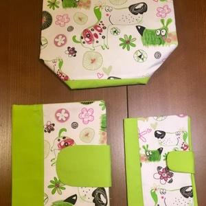 Zöld kutyusok-3 db-os Babalátogató ajándék csomag, Babalátogató ajándékcsomag, Játék & Gyerek, Varrás, Patchwork, foltvarrás, Pelusozó+ eü.kiskönyvboritó+ asztali tároló- 3 db-os szett\n\n \n\nA szett tartalma 1 db pelenkázó nesze..., Meska