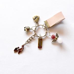 Momtobe kulcstartó rózsaszín bőr dísszel, babaváró charmokkal, ásvány, angyalka dísszel., Ékszer, Táska, Divat & Szépség, Kulcstartó, táskadísz, Ékszerkészítés, Momtobe kulcstartó rózsaszín bőr dísszel, babaváró charmokkal, ásvány angyalka dísszel. (szív, angya..., Meska