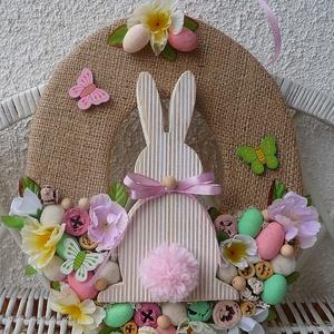 Húsvéti tojás alakú ajtódísz, kopogtató, Otthon & Lakás, Dekoráció, Ajtódísz & Kopogtató, Mindenmás, Virágkötés, A saját magam készítette alapot zsákvászonnal bevontam, majd termésekkel, virágokkal és pici festett..., Meska